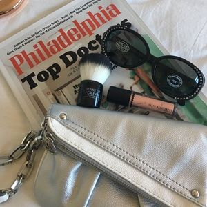 Jennifer Lopez Handbags - J LO Wristlet 👛