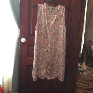 Alice & You Dresses & Skirts - V-neck dress