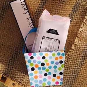 Mary Kay Other - Mary Kay TimeWise Facial Cleanser & Cloths Bundle