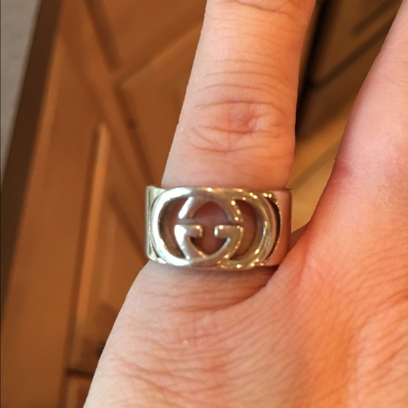 38ac8264d092e Gucci ring- wide band with interlocking G motif