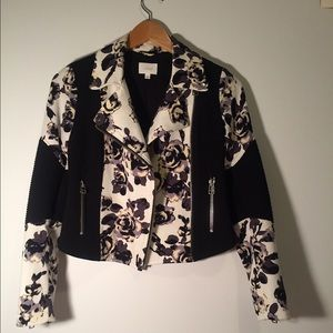Aritzia Jackets & Blazers - Rad floral jacket! 🌺
