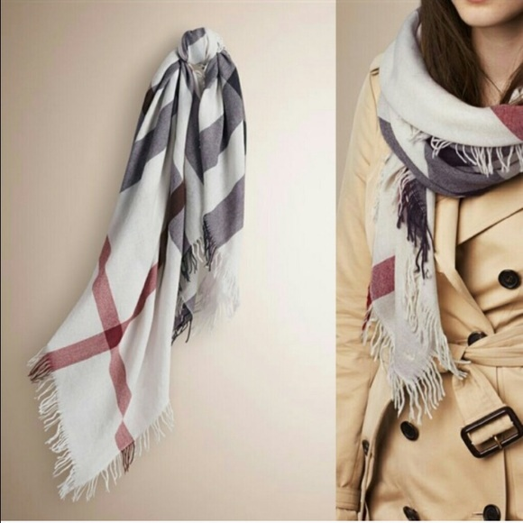 Burberry Accessories - 🎄SALE🎄Authentic Burberry Check Merino Wool Scarf cf618068dc