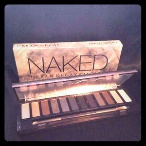Urban Decay Naked SMOKY Eyeshadow Palette BNIB!!