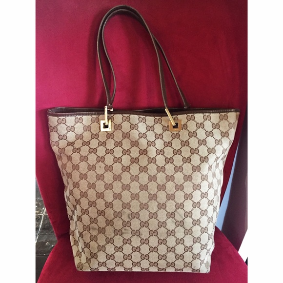 60cebaa40d2 Gucci Handbags - Authentic Gucci Vintage Double G Tote