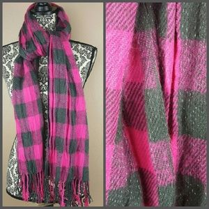 🌟 Pink & Grey Glittery Checkered Scarf