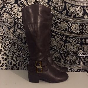 ONE DAY SALE Brown Knee High Boots 6.5