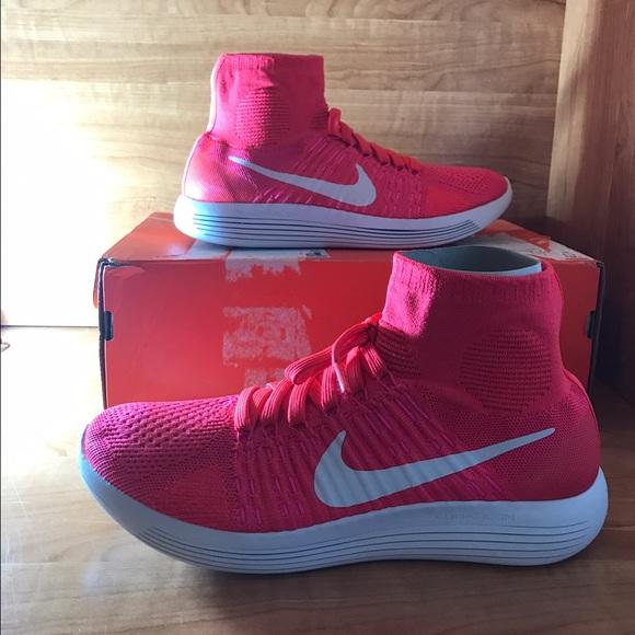 156cd2d9bbf4 Wm Nike Lunarepic Flyknit