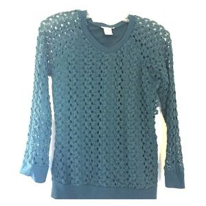 Mia Chica Other - Barely worn girls sweater w/elegant style