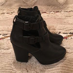 Kurt Geiger Shoes - 💎FLASH SALE, from $60💎 KURT GEIGER Booties
