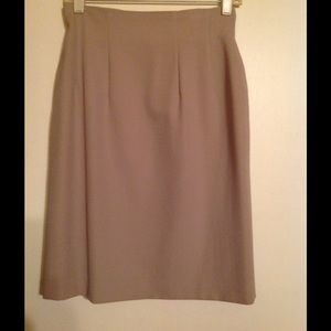 Dresses & Skirts - 💥CLOSET MUST HAVE💥Pencil Skirt $15💥