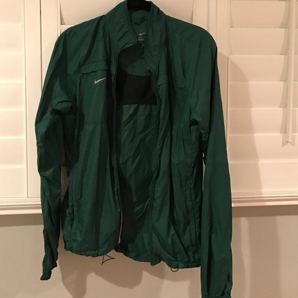 b67593bf6980 Green Nike Rain jacket. M 584cf35541b4e0b5ba009d4e
