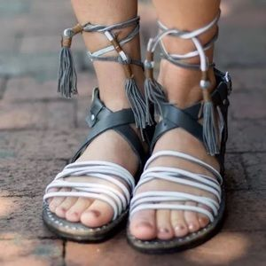 NWT 8.5 Free People Grey Strappy Leather Sandals
