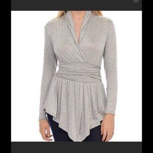 Bellino Clothing Tops - Hi-Low Bellino surplice neckline top 💘