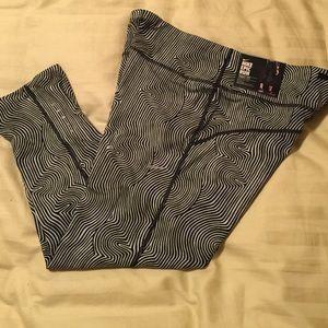 Nike Pants - Nike epic run crop