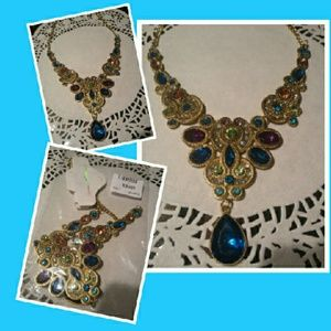 Jewelry - Fashion Statement Crystal Necklace