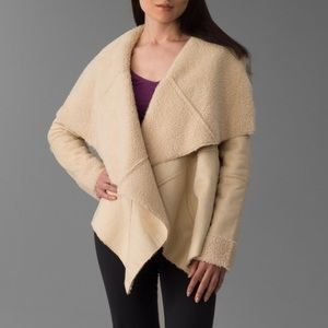 Romeo & Juliet Couture Jackets & Blazers - Romeo and Juliet Couture faux shearling jacket