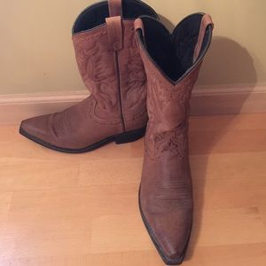 Laredo Other - Laredo Men's 8.5 D Leather Upper Man made boots