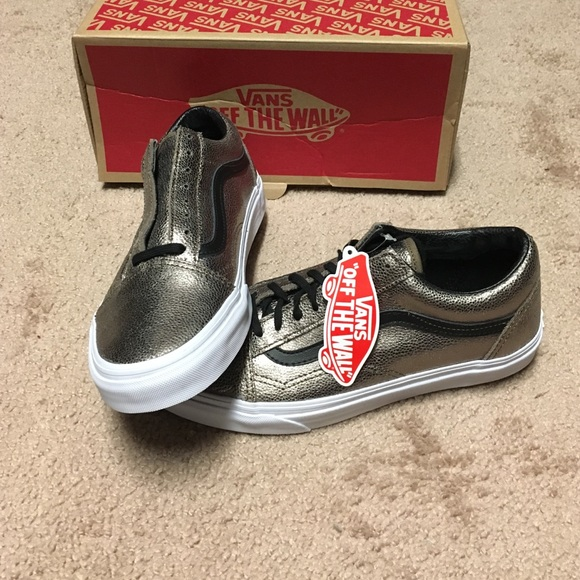 5c15263145 Vans Old Skool Metallic Leather Skate shoes NWT