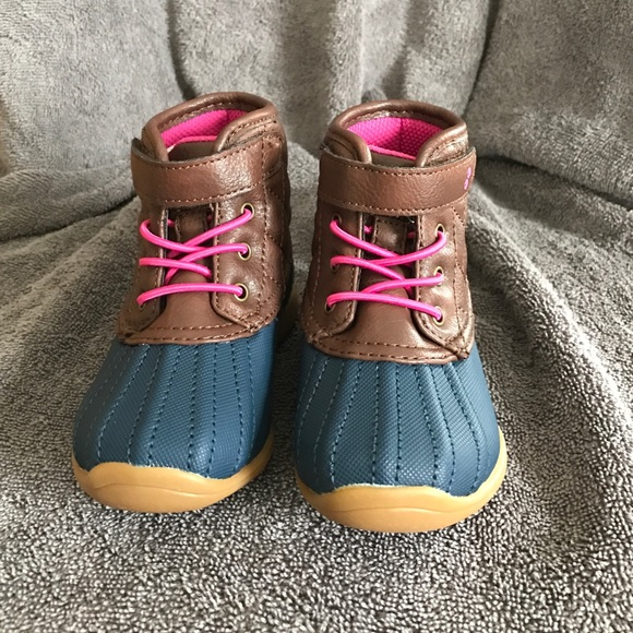 7ed5cac5a8ae Girls Surprise by Stride Rite Miram Duck Boots