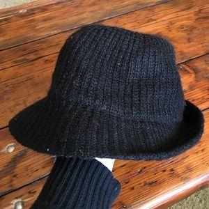 Gap Black Knit Brimmed Hat