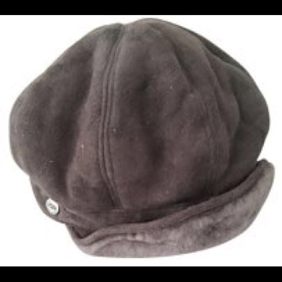 Ugg shearling newsboy cap. M 584d99dbea3f366959019e6f ab365a8bf775
