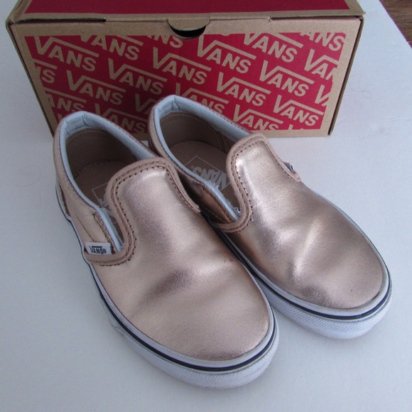 c11b9543052 Vans Girls Rose Gold Leather Classic Slip-on. M 584da2916a5830255f01bd16
