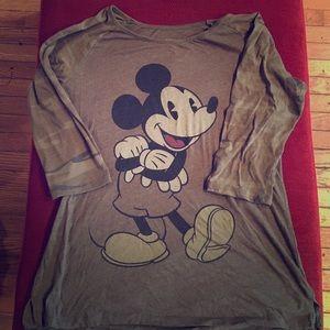 Disney Tops - Juniors XL camo Mickey baseball tee