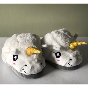 Hot Topic Shoes - Think Geek Unicorn Slippers 🦄