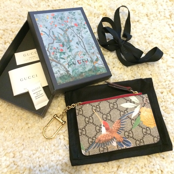 gucci key case. gucci accessories - tian key case