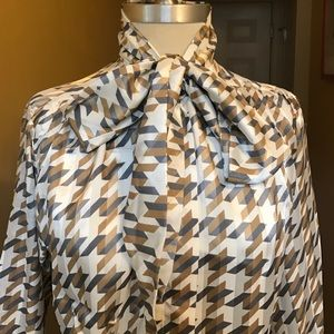 2f480969643021 Vintage Tops - Vintage Houndstooth Pussybow Blouse 😘😘
