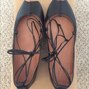 Madewell Shoes - Madewell Nora lace up flats size 7