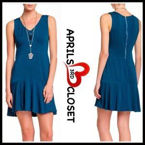 Ecoskin  Dresses & Skirts - ❤️ EcoSkin V-Neck Shift Dress