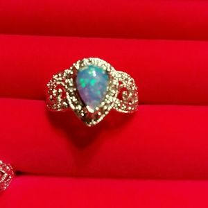 Jewelry - Sz 7 opal set in platinum over sterling silver