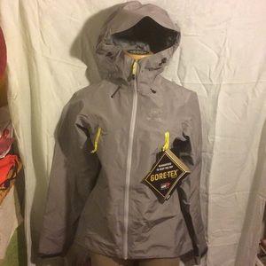 Arc'teryx Jackets & Blazers - Arc'teryx Beta LT Women's Rain Jacket w/Gore-Tex