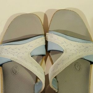 3969596c4d91 Montrail Shoes - New Montrail recyclonite sandals flip flops
