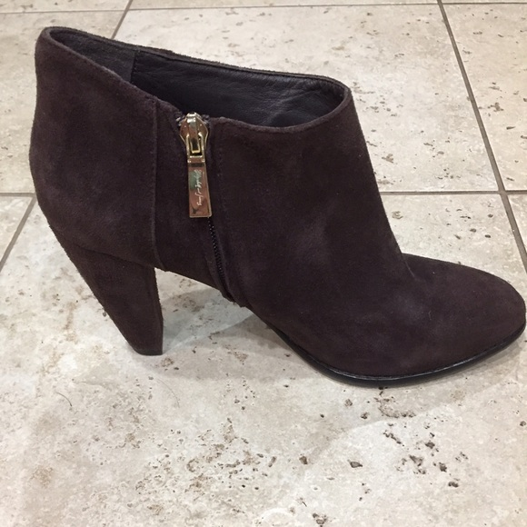 fa4b240186f9 Size 8.5 brown suede bootie