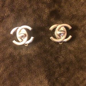 Authentic chanel clip earrings