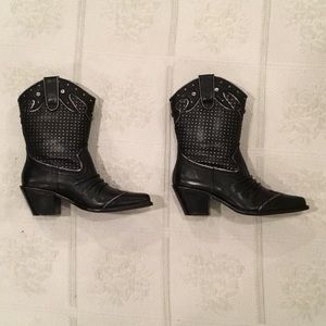 Volatile Shoes - 🎄 COWGIRL BOOTS 👢