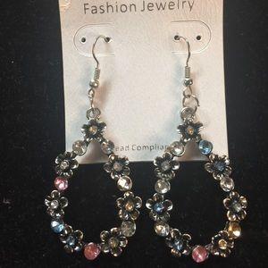 Gorgeous teardrop shape earrings