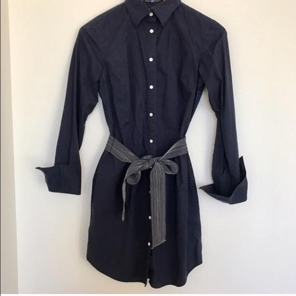 GAP Dresses & Skirts - Gap Navy shirt dress. Shirtdress w belt size 6