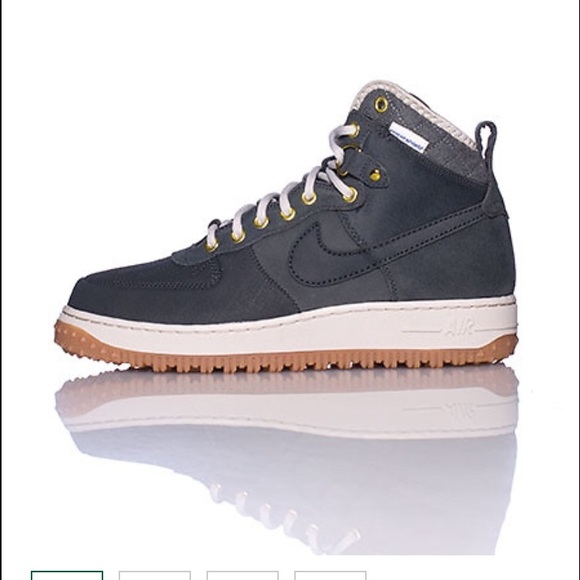 le scarpe nike air force one  boot autentico euc mens 9 poshmark