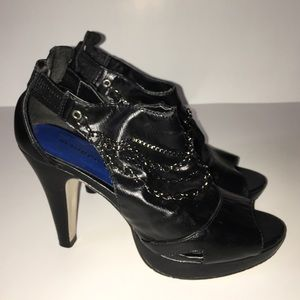 Madden Girl Shoes - ☑️💕SALE💕Madden Girl Black peep toe with chains
