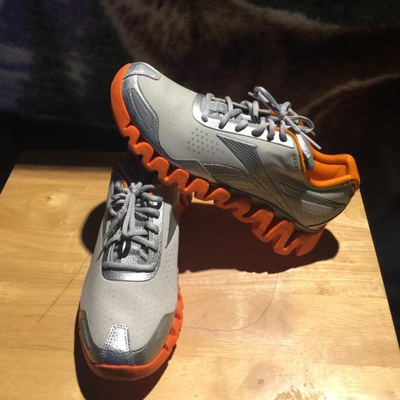 51355207048c REEBOK ZIGTECH ZIG DYNAMIC MENS Shoes Size 9.5. M 584e4a59eaf030c9d902a3be