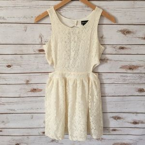Wet Seal // Cream Lace Cut-out dress // S