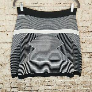 Olive & Oak Black & White Mini Skirt