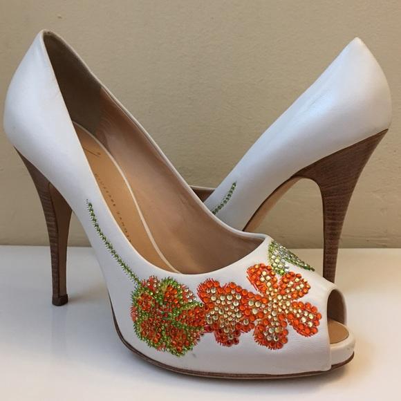 Guiseppe zanotti shoes giuseppe zanotti flowers ring stones white giuseppe zanotti flowers ring stones white heels mightylinksfo
