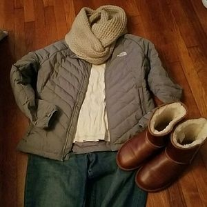 NORTH FACE puffy fitted jacket in grey