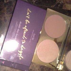 Don't Be Afraid To Dazzle Contour & Highlight Palette by Tarte #10