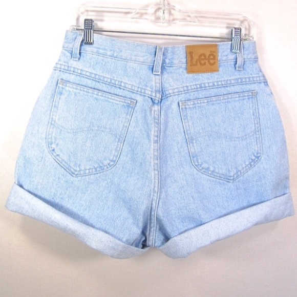 Interested in high waisted shorts in a variety of washes with on-trend details like patching or destruction? Find all the best styles of high waisted shorts for women at PacSun and get free shipping on orders over $
