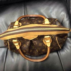 Louis Vuitton Tivoli PM.